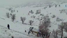 В Турции перевернулся автобус с пассажирами: 6 человек погибли. Видео