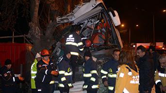 В турецкой провинции Эскишехир случилась крупная аварии с участием перевозившего школьников автобуса