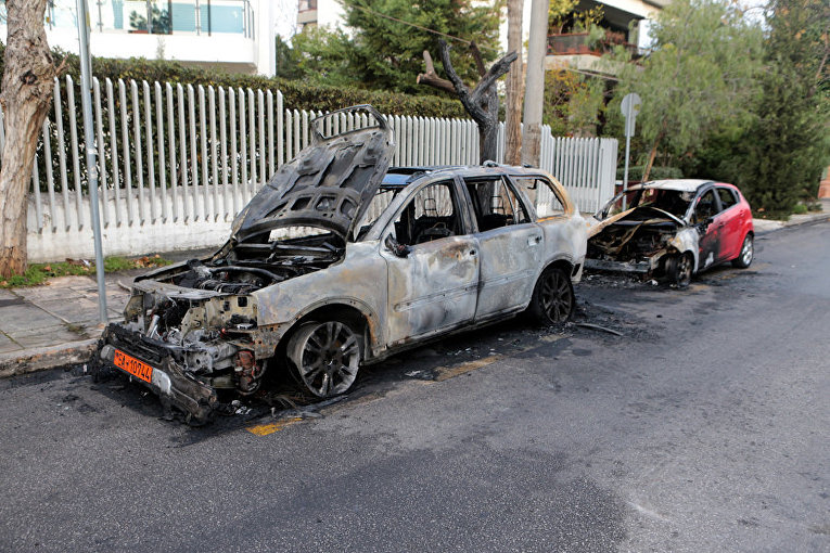 Кадры с места атаки на посольство Украины в Греции