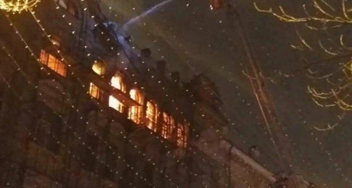 Масштабный пожар на ул. Б. Хмельницкого в Киеве