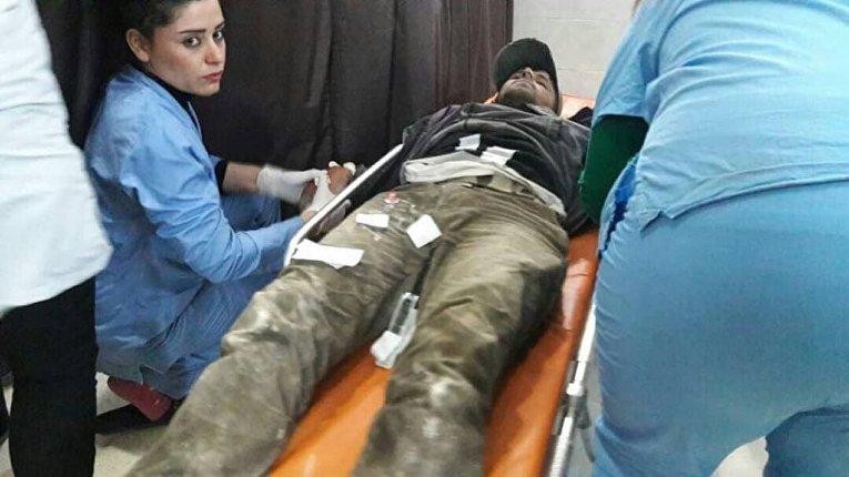 Пострадавший в результате операции турецких ВВСОливковая ветвь в сирийском Африне
