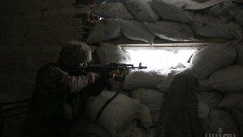 Украинские военные в зоне Донбассе. Архивное фото