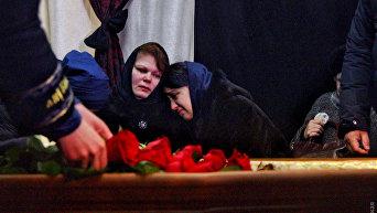 Одесситы простились с участковым полицейским, погибшим в перестрелке на Новосельского