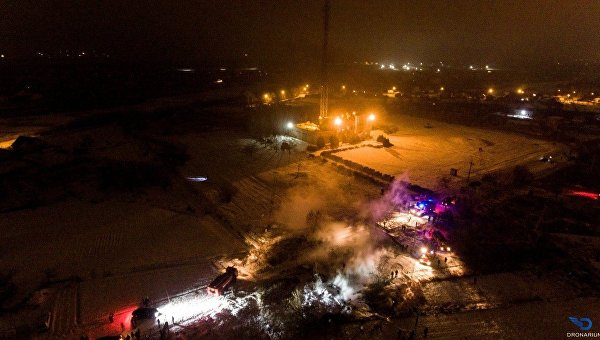 Крушение вертолета Ми-8 в Кременчуге. Пожар на месте ЧП