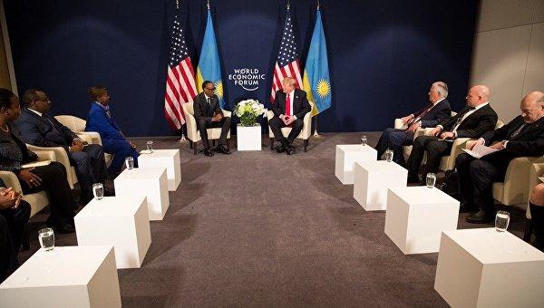 Президент США в Давосе встретился с президентом Руанды