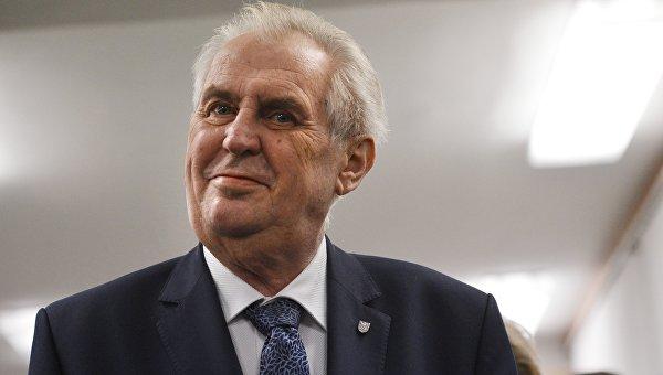 Обогнавший Драгоша всего на3% Милош Земан опять стал президентом Чехии