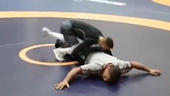 Ломаченко показал Беленюку, что умеет бороться. Видео