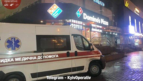 Сделал укол и скончался: вкиевской пиццерии отыскали мертвого молодого человека