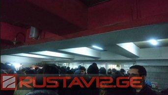 Потолок обрушился на пассажиров метро в Тбилиси