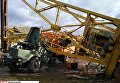 Башенный кран упал на грузовик в Ивано-Франковской области
