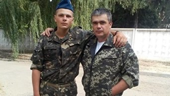 Дмитрий Зобнин (слева)