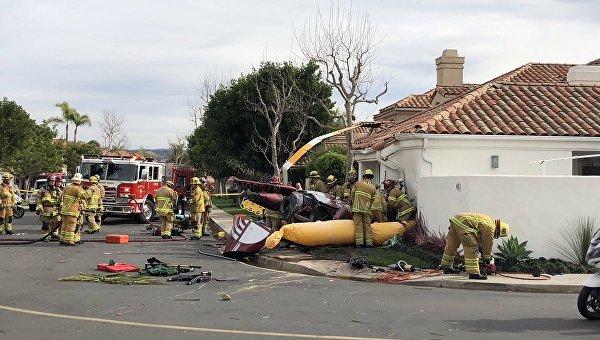 Три человека погибли при падении вертолета надом вЮжной Калифорнии