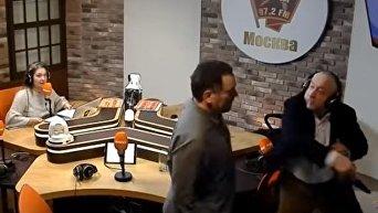 Потасовка российских журналистов Шевченко и Сванидзе из-за Сталина. Видео