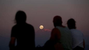 Голубая луна - тройное астрономическое явление. Лос-Андес, Сантьяго
