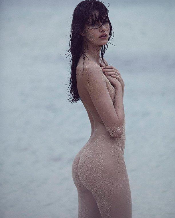 Голые ангелы Victoria's Secret на пляже