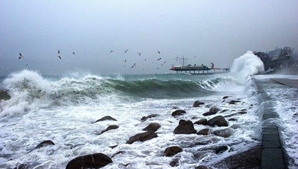 Запуск Фантома с борта парусной яхты в шторм и при сильном ветре ... | 340x600