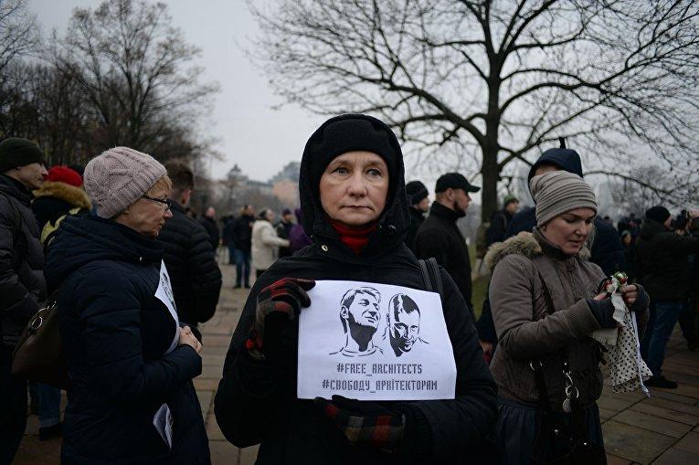 Ситуация у Десятинного монастыря в Киеве