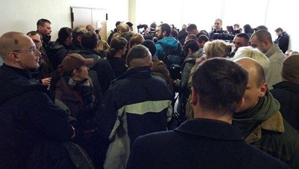 Киевлян, которые подожгли самострой УПЦ МП, отпустили на поруки нардепов