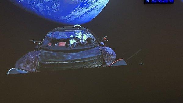 Tesla Илона Маска на Falcon Heavy