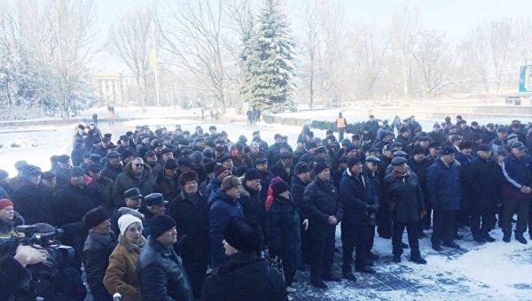 Пенсионеры силовых структур собрались на митинг возле Николаевской ОГА