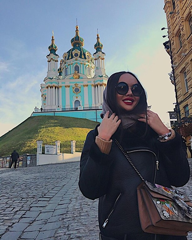 Казахстанская Барби Динара Рахимбаева