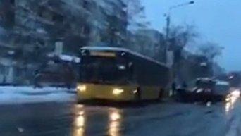 Авария на улице Вышгородской утром 9 февраля