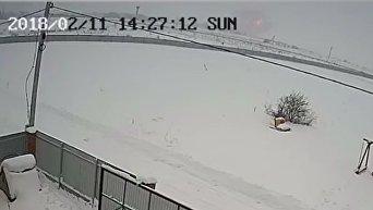 Камера внешнего наблюдения зафиксировала момент крушения Ан-148 под Москвой. Видео