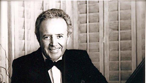 Американский певец Вито Фаринола, известный под псевдонимом Вик Дамоне