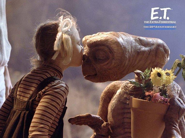 Инопланетянин. Телепатический поцелуй между E.T.и Эллиот