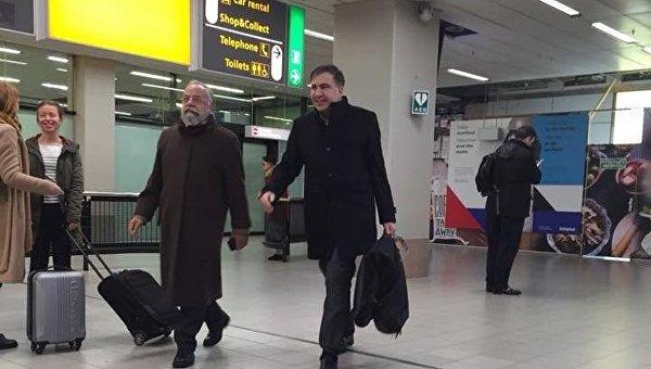 Михаил Саакашвили в аэропорту Амстердама