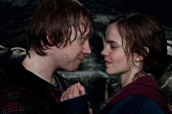 Гарри Поттер и Дары Смерти. Поцелуй Рона и Гермионы