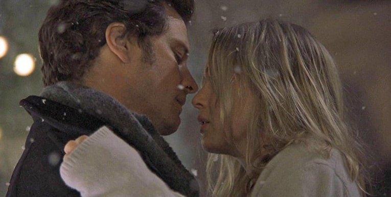 Дневник Бриджет Джонс. Поцелуй Бриджет и Марка под снегом