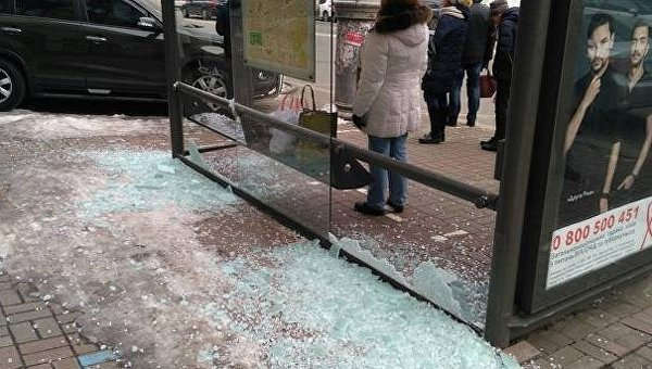 В центре Киева разбили остановку транспорта