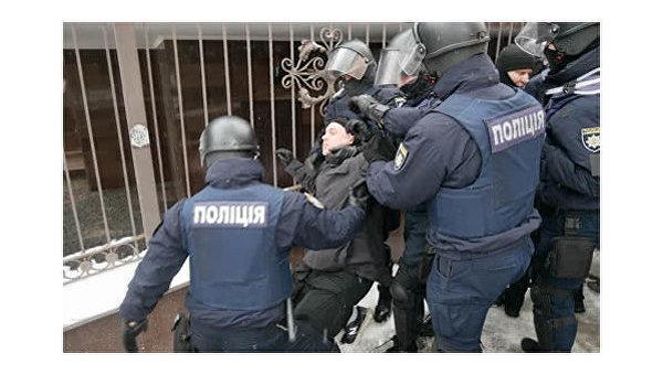 Задержания возле киевского суда, где слушают дело Труханова