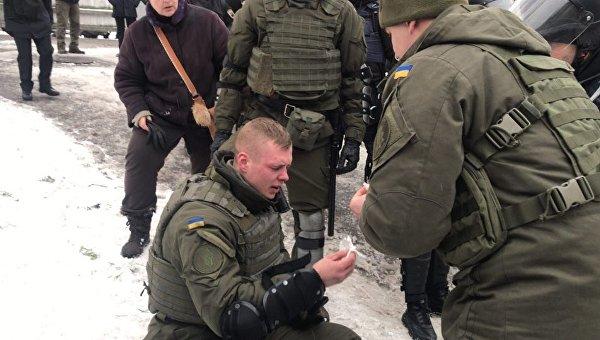 Под киевским судом, где слушают дело Труханова, подстрелили силовика