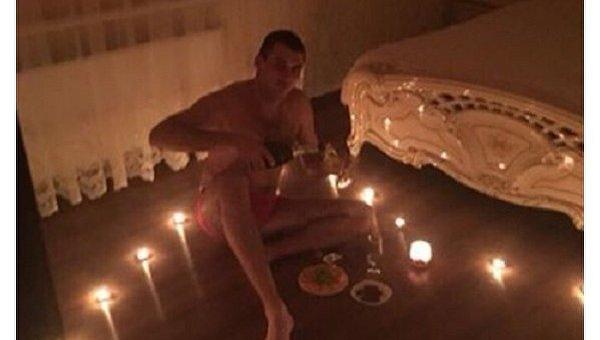 Прокурор Порошенко снялся в эротической фотосессии к празднику влюбленных