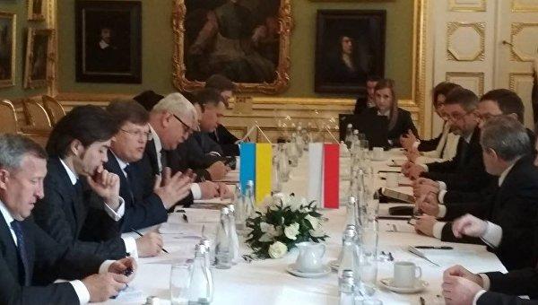 Переговоры украинской делегации во главе с Павлом Розенко с польским правительством