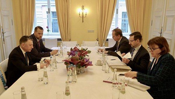 Генсек ОБСЕ Томас Гремингер и спецпредставитель госдепартамента США по Украине Курт Волкер в Мюнхене, 16 февраля 2018