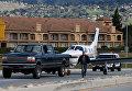 В Калифорнии самолет сел на трассу