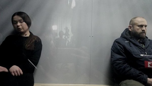 Алена Зайцева и Геннадий Дронов в суде