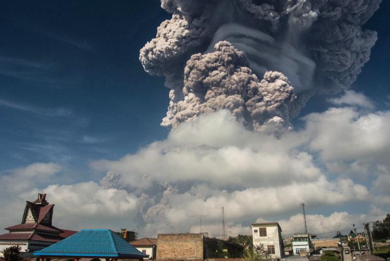 Ростуризм призвал туроператоров проинформировать клиентов обизвержении вулкана наСуматре