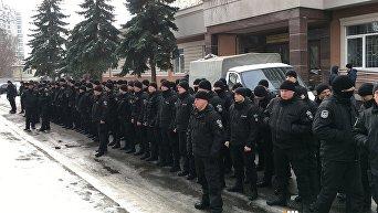 Полицейские провели под киевским судом акцию протеста