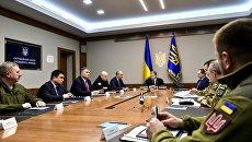Заседание военного кабинета СНБО во главе с президентом Петром Порошенко