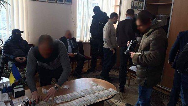 Задержание чиновников, которые два года присваивали премии киевских полицейских