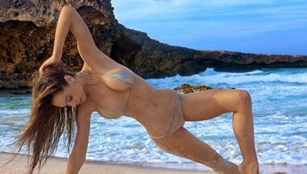 Модель Алексис Рей снялась в откровенной фотосессии