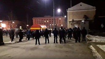 Столкновения футбольных фанатов Шахтера и Ромы в центре Харькова