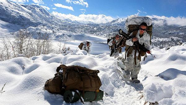 Подготовка морских пехотинцев США в зимних условиях