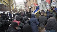 Нападение на Труханова возле суда