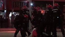 Столкновения фанатов Спартака и Атлетика с полицией в Бильбао. Видео