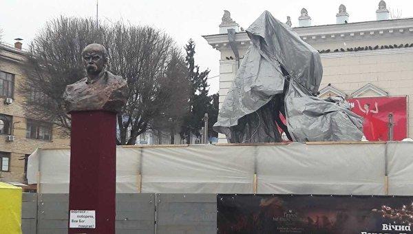 Снесенный памятник Шевченко в Виннице